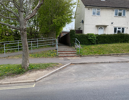 Entrance to Sqn via side road from Barncroft Way